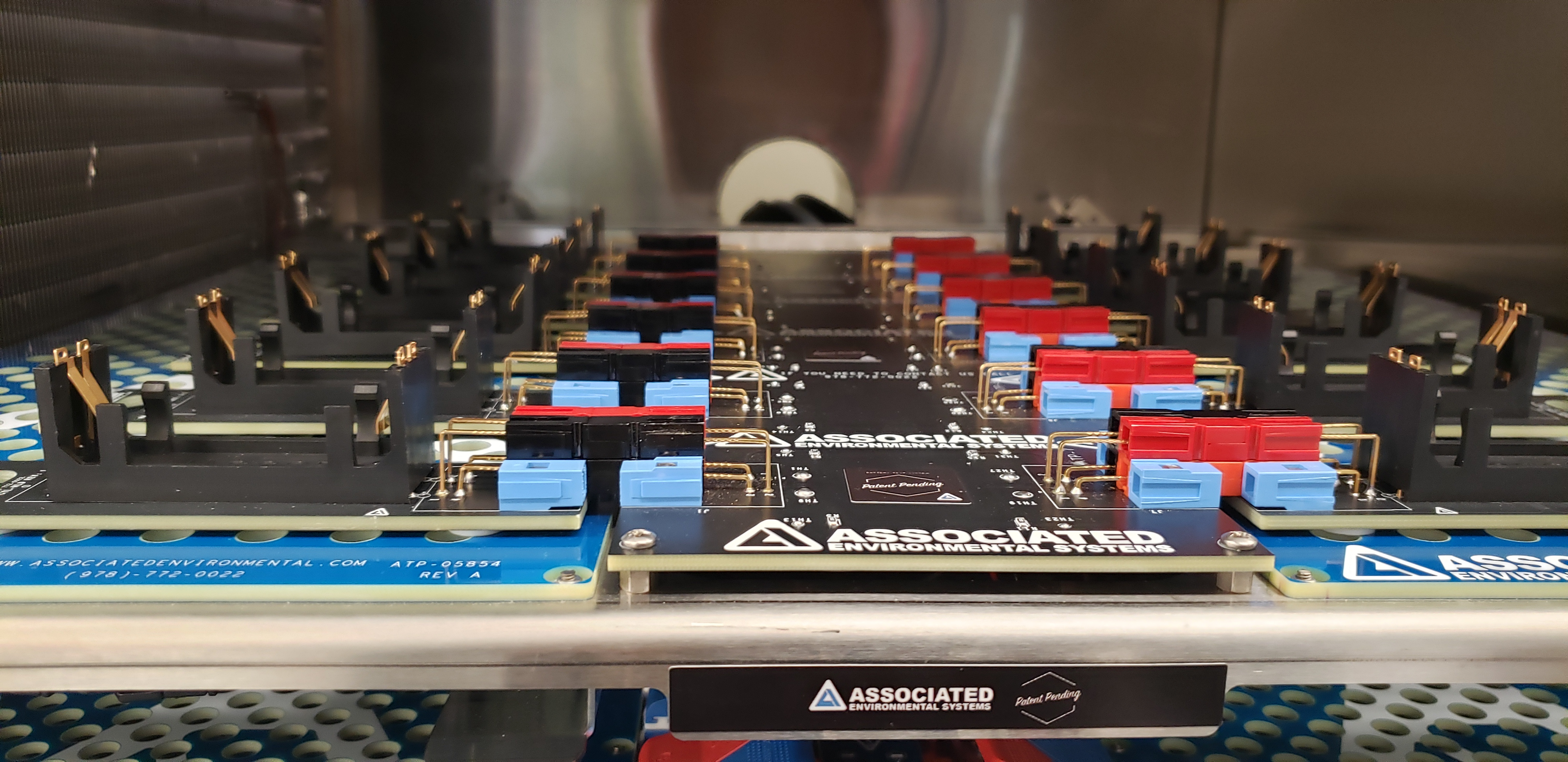 cylindrical-atp-boardlarge batch battery test fixture increases battery testing efficiency.