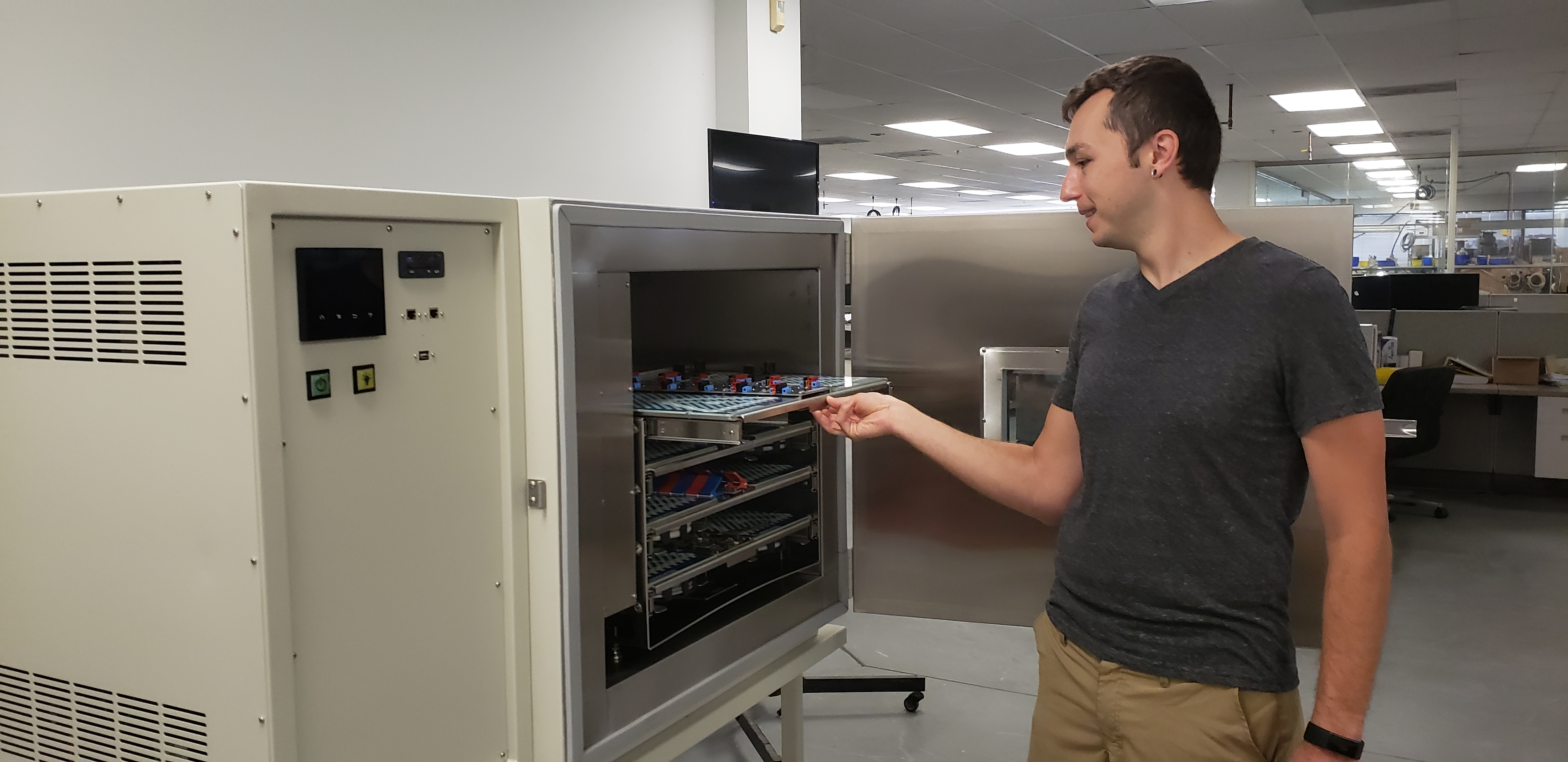mitch-opening-atplarge batch battery test fixture increases battery testing efficiency.