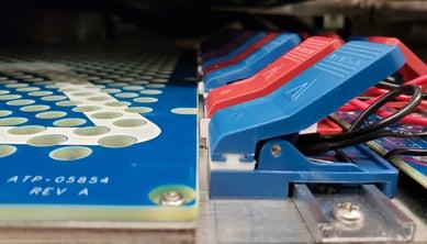 High density battery testing kelvin clips